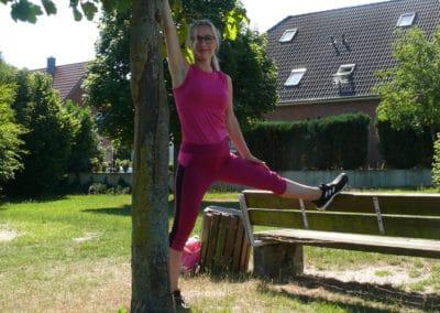 Spielplatz-Fitness_Dehnung2