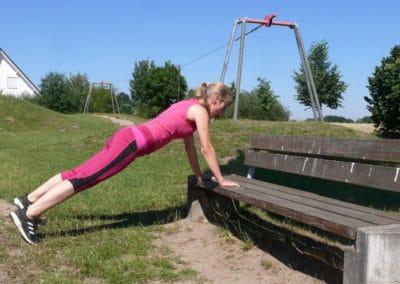 Spielplatz-Fitness_Liegestuetz2