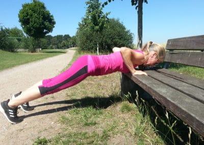 Spielplatz-Fitness_Liegestuetz3