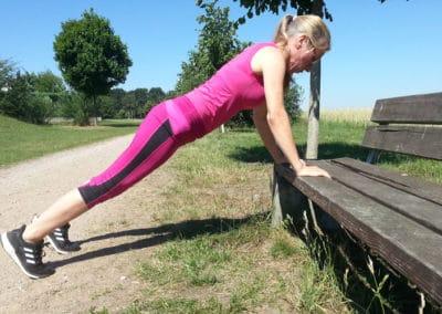 Spielplatz-Fitness_Liegestuetz4