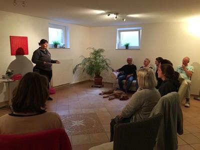 Vortrag Wie Tiere ihren Menschen spiegeln mit Angela Müller